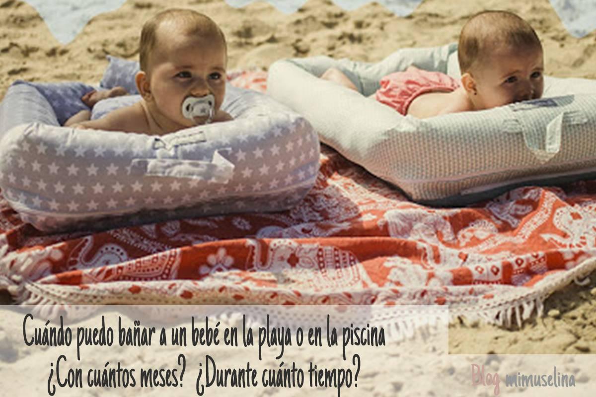 Primer baño del bebé en playa o piscina