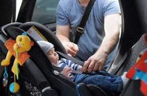 sistema retención de coche para bebé