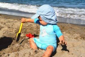 mono filtro uv playa bebé