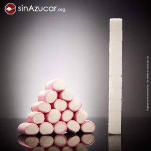 Nubes chuchería azúcar que contiene peligro del exceso de azúcares en la dieta de bebés y niños