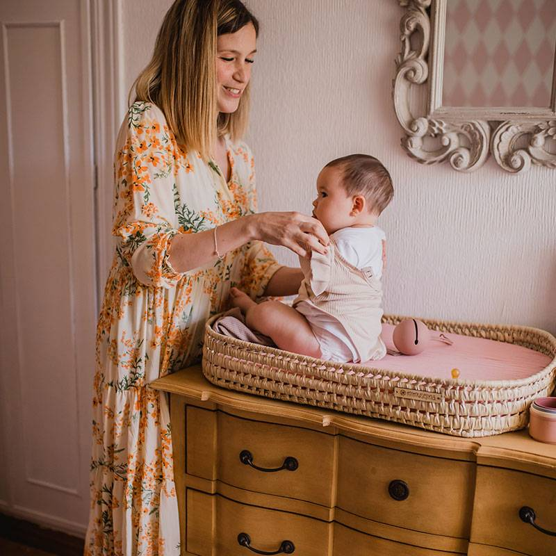 Cambiador de sobremesa de palma para bebé, cesta mimbre cambiador bebes mimuselina