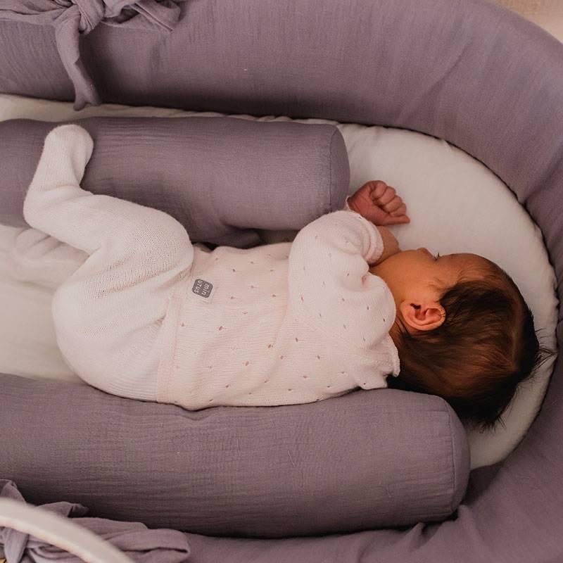 Cojín antivuelco bebé gasa muselina